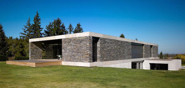 Kamenna fasada rodinneho domu
